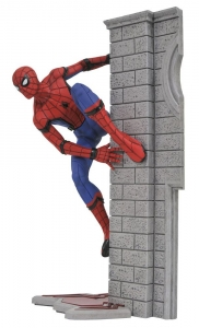 Figurka Spider-Man  - Homecoming Marvel Gallery - 25 cm